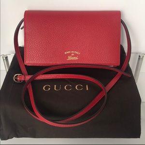 Gucci Crossbody Bag red